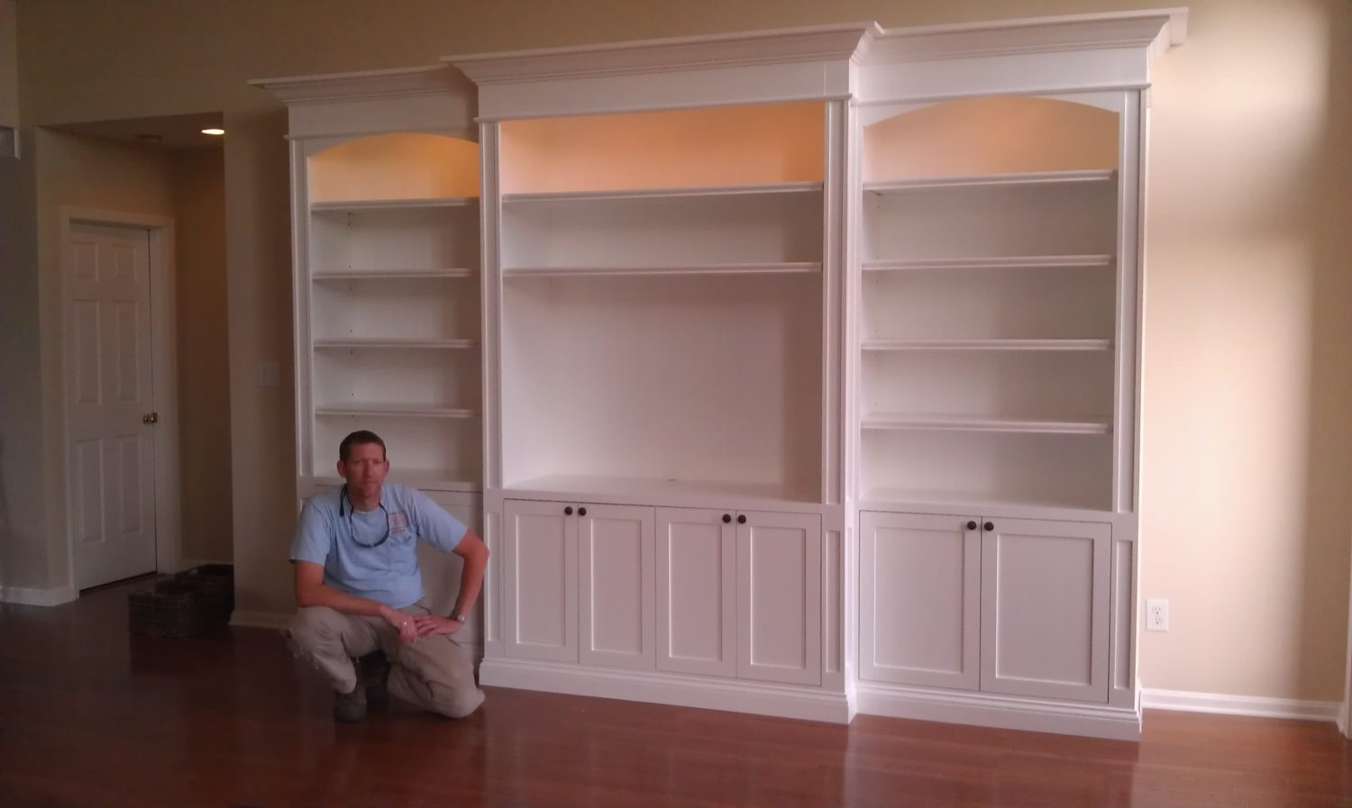 Custom built in cabinets serving louisville ky and for Custom built home plans